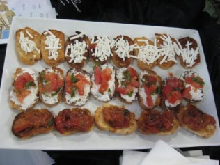 Bruschetta Bar - 2 or 3 toppings (tuscan white bean, artichoke, tomato and goat cheese)