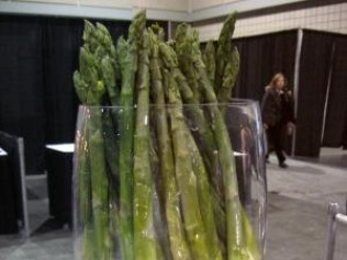 Chilled Asparagus with Lemon Tarragon or Basil Sauce